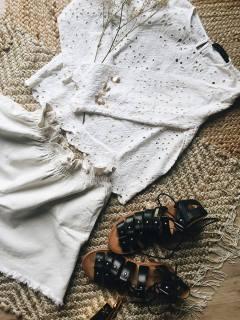 Fashion haut dentelle et short ivoire zara
